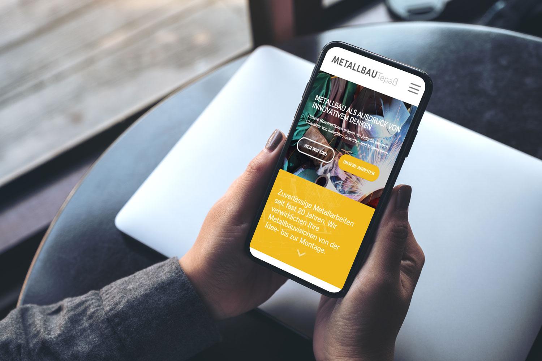 Website auf Smartphone